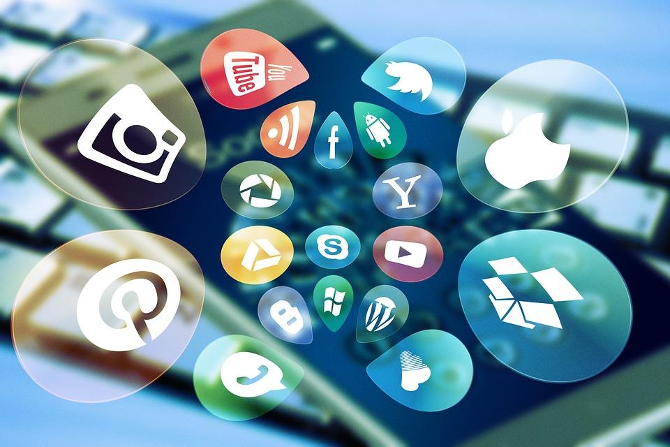 Native Advertising l'immagine mostra le icone dei social media