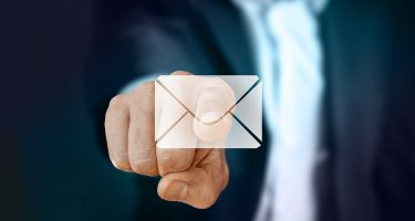 email marketing_la foto mostra la busta da lettere simbolo dell'email